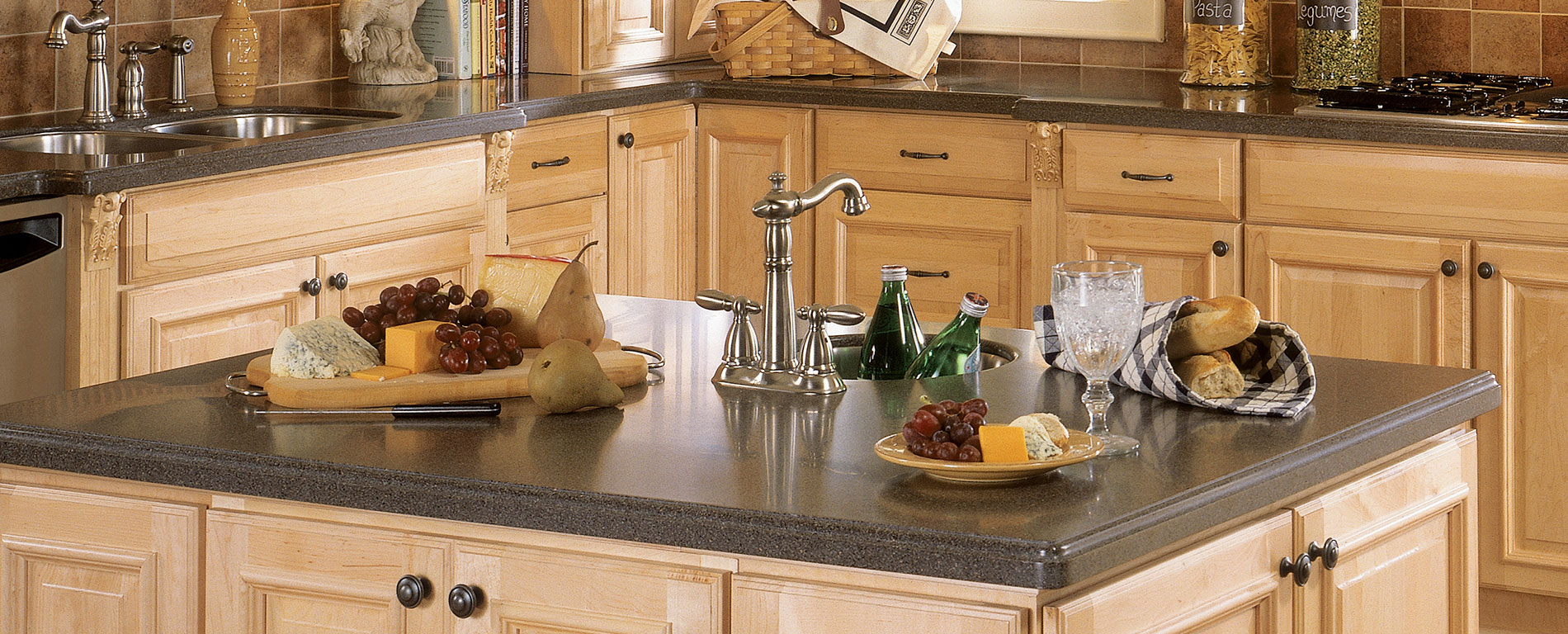 Beauty of a new countertop avoid poorly fabricated for Seamless quartz countertops